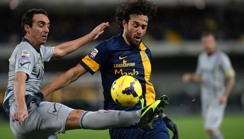 Luca Toni Dainelli ai tempi di un derby fra Hellas Verona e Chievo Verona