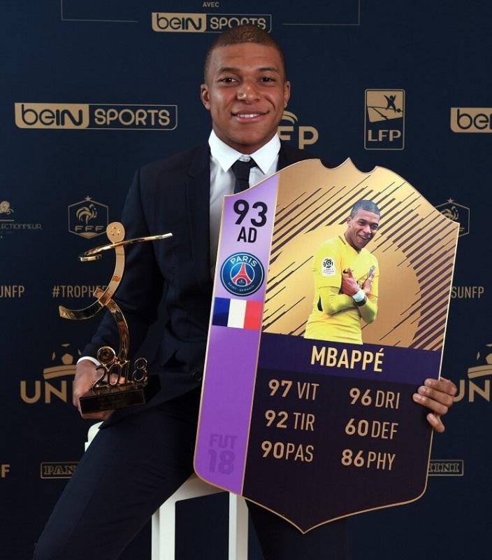 Mbappe Young POTY con la sua carta FUT